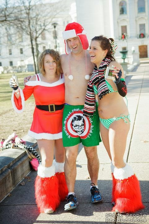 Madison WI Santa Swimsuit Run (c) Kelly Doering