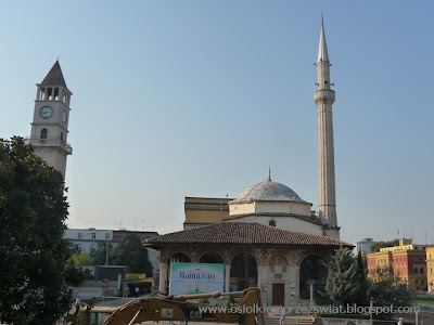http://osiolkiemprzezswiat.blogspot.com/2012/01/bakany-osiokiem-albania-dzien-2.html