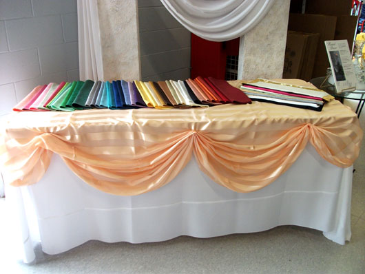 This Table Cloth Fits For Party Like Celebrations. It Is Comfortable To  Arrange The Party Table Attractively With The Cloth.