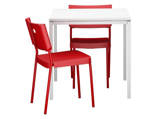 Mesas y sillas de cocina impresionantes para un hogar for Mesas y sillas diseno