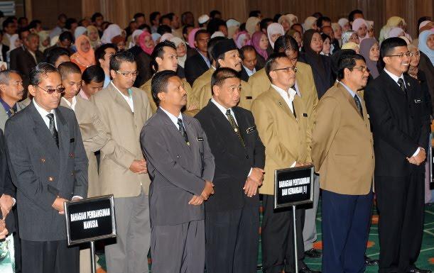http://4.bp.blogspot.com/-rxKOYrmjvaU/ToWC9CLhbaI/AAAAAAAADJs/vH2Q5FXzzPM/s1600/Kakitangan+Awam+Malaysia.JPG