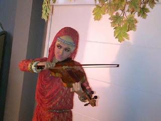 julia peres jupe jilbab 5 Foto Julia Perez Berjilbab