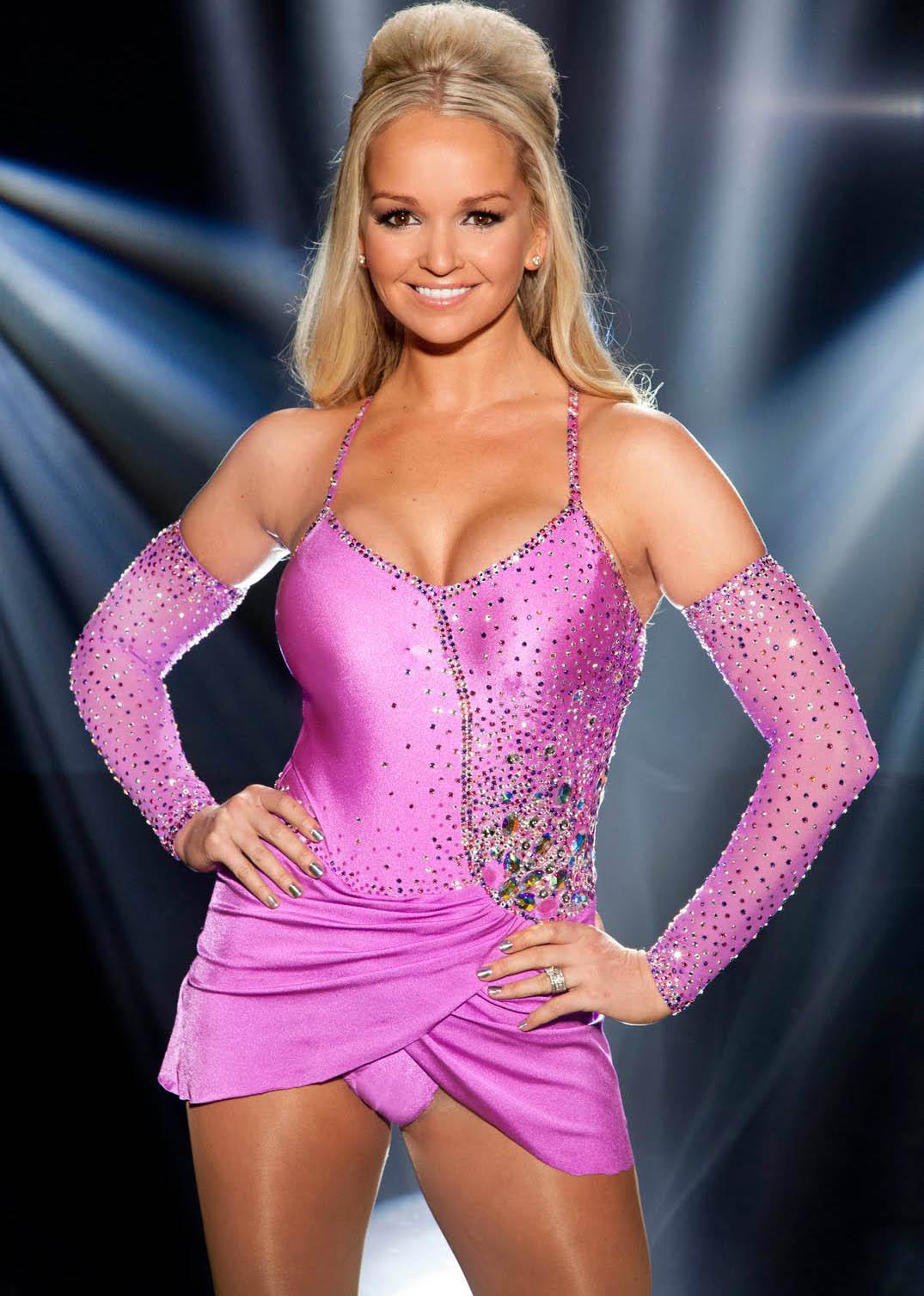 http://4.bp.blogspot.com/-rxnw0n9-12M/TwwQHcchPpI/AAAAAAAAC2A/AslbhToe8lc/s1600/jennifer_ellison_dancing_on_ice.jpg