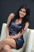 Hebah patel latest glam pics-thumbnail-15