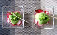 Crème de radis rouges ou roses, crème de fanes de radis, aux carrés frais et petits suisses