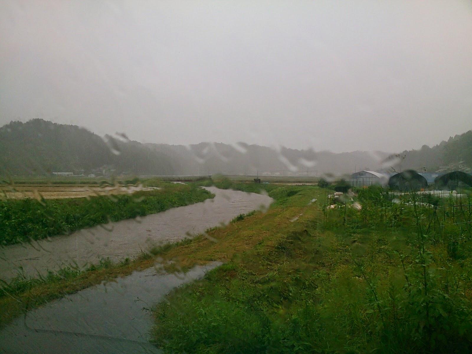 台風の釜戸川