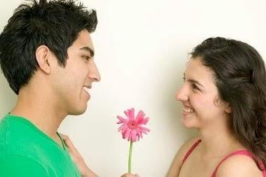 Hasil gambar untuk gejala sedang jatuh cinta