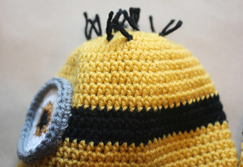 Crochet Minion Hat Pattern | Repeat Crafter Me | Bloglovin\'