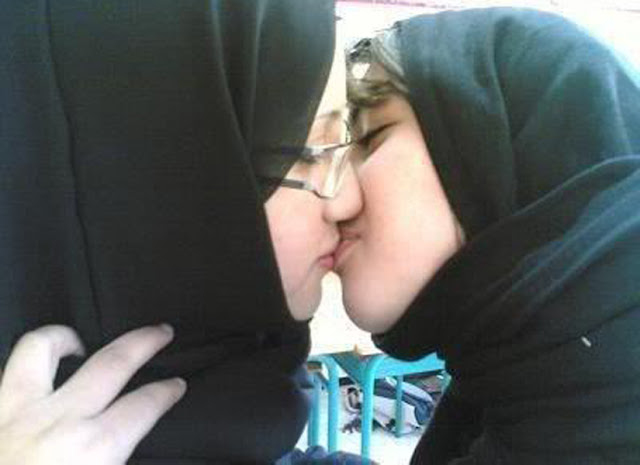 two iranian beautiful girls kissing iranian lesbian girls