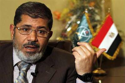 محمد مرسي : السيرة الذاتية لمحمد مرسي مرشح حزب الحرية و العدالة و الاخوان المسلمين للرئاسة