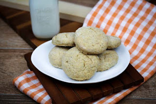 mini-buttermilk-rye-biscuits