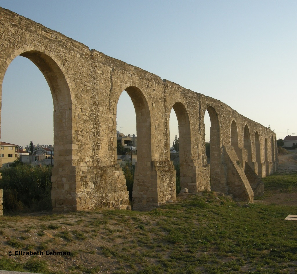 Aqueducts Today These roman-style aqueductsAqueducts Today