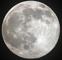 http://www.jltarazona.com/p/la-luna-siempre-nos-ha-generado-en-la.html