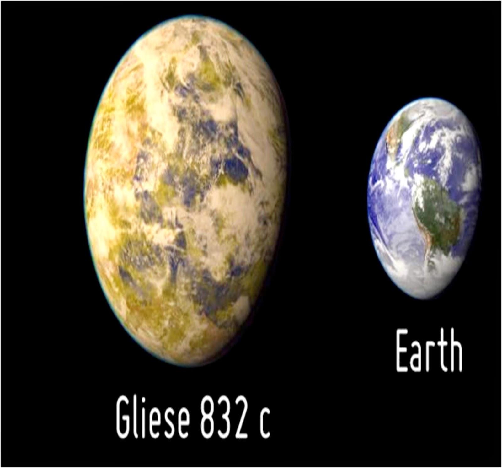 gliese 832 moons - photo #3