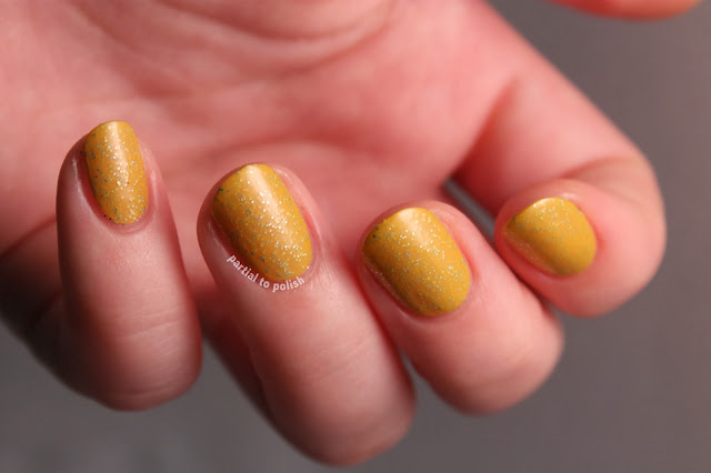 Yume Lacquer Foreign Gold