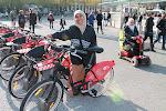Mencoba Sepeda