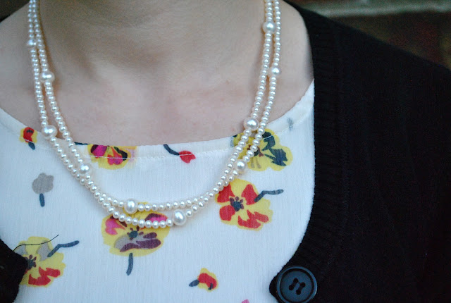 Flashback Summer: Hint o' Vintage, pearl necklace