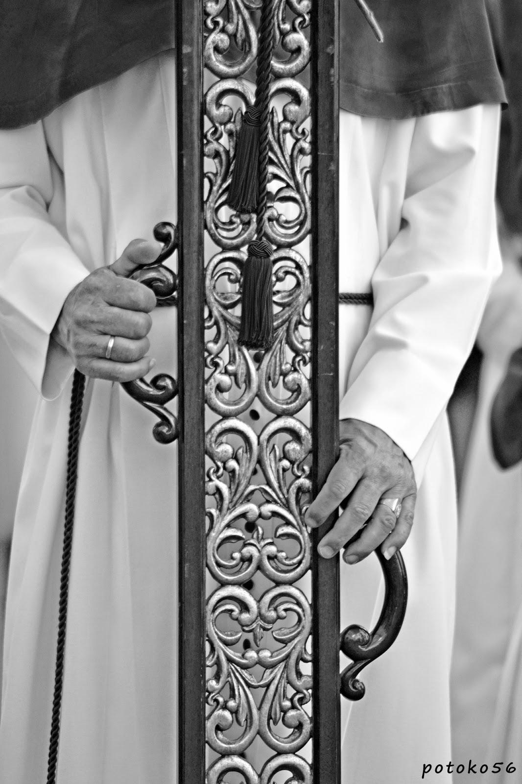 Detalles del agarre de la Cruz de Guia Rota