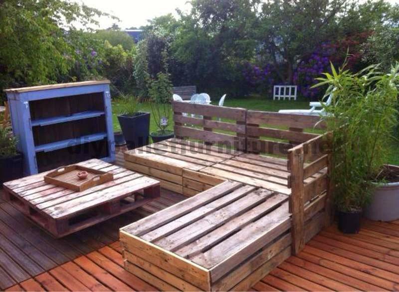 Lounge para el jard n hecho con palets - Como hacer muebles de jardin con palets ...