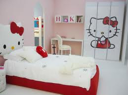 chambre coucher en rose Hello Kitty