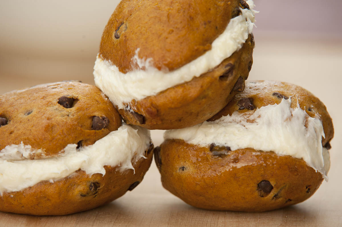 Dysart's Come Eat: Pumpkin Chocolate Chip Whoopie Pies