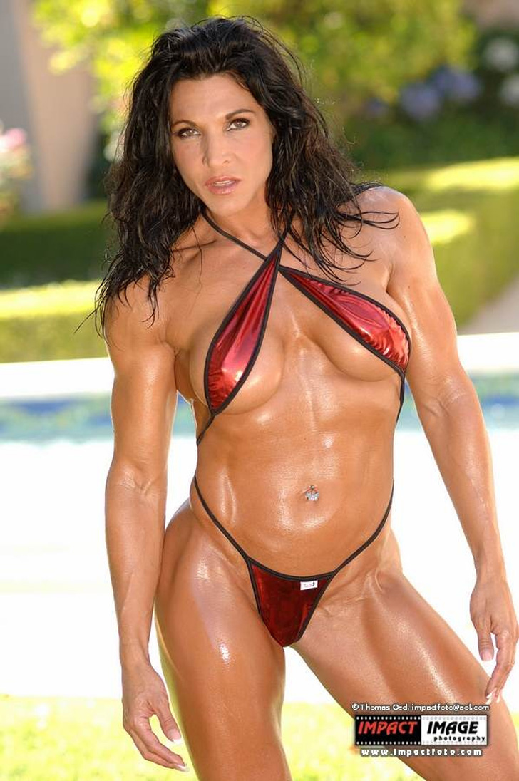 Tracy Guarino Models Her Fit Body