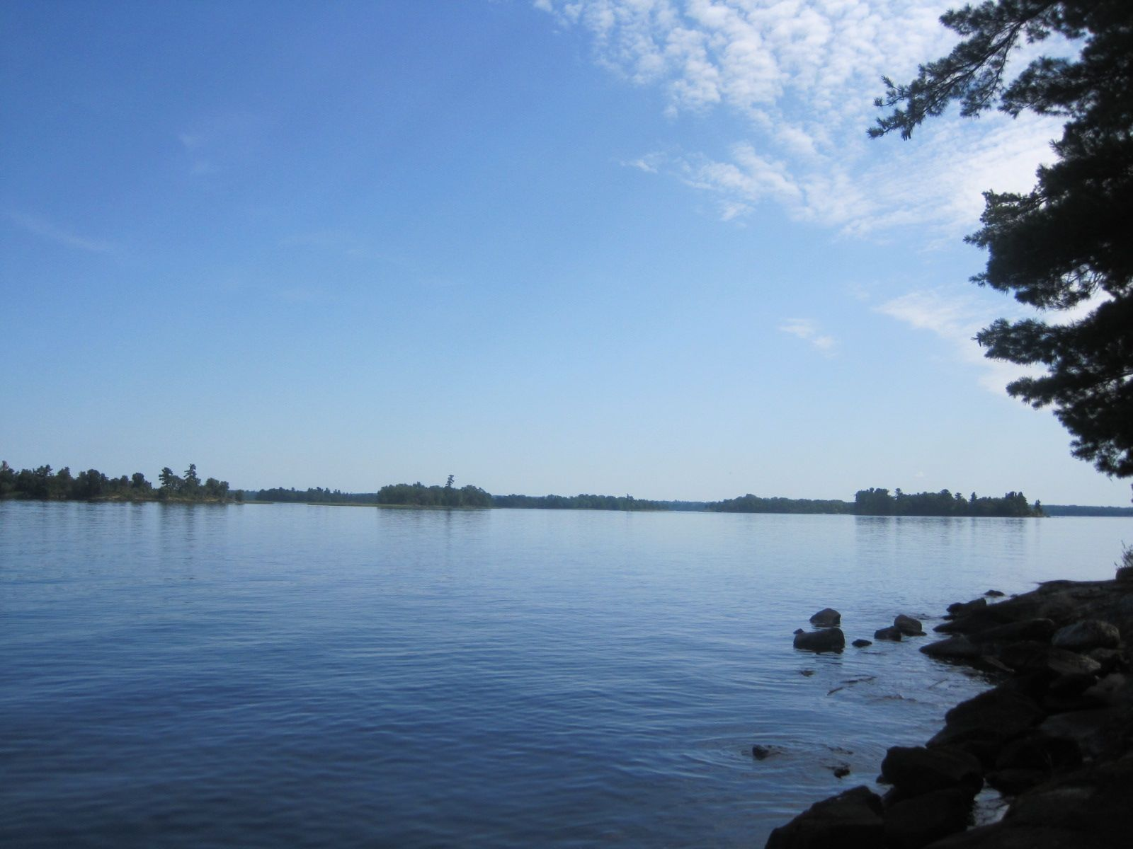 All in an iowa mom 39 s day arrowhead lodge resort lake for Lake kabetogama fishing