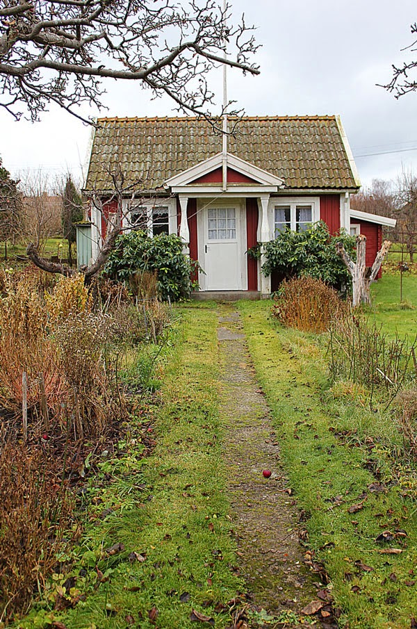 red cottage in sweden