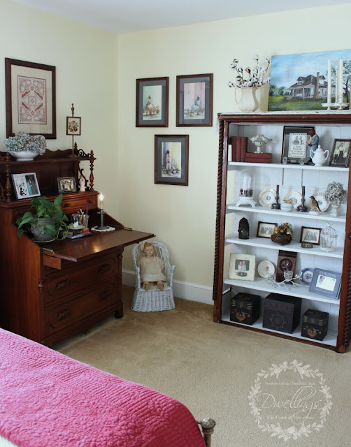 Colonial farmhouse style guest room.