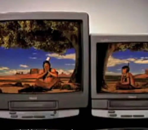 Propaganda do dueto Philco: conjugado de TV e vídeo cassete. Diálogo de pai e filho índio.