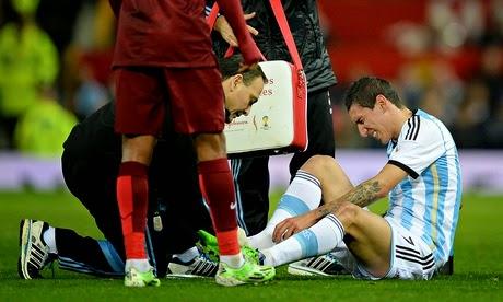 Ángel Di María Cedera Saat Bela Argentina