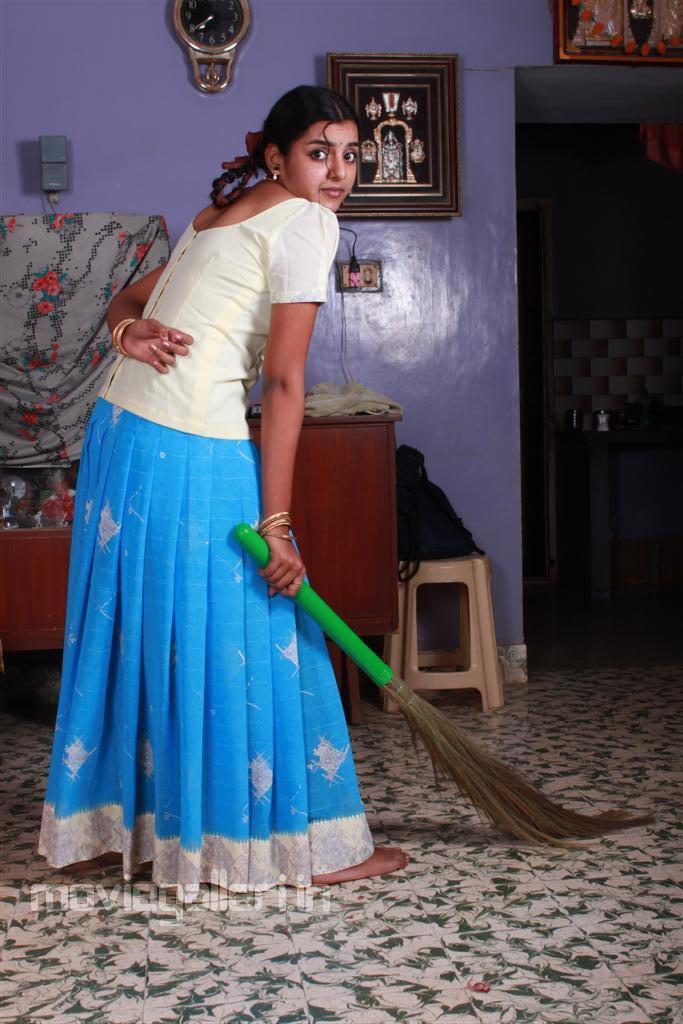 divya nagesh arundhati fame child actress photo gallery