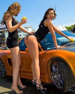 mulheres-lavando-carros-5