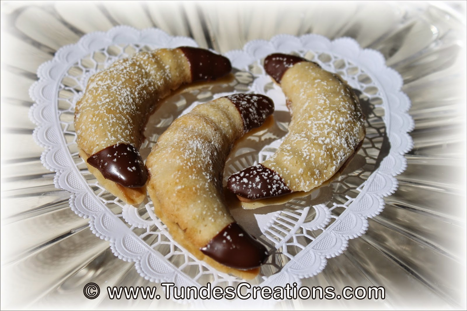 Crescent cookies with chocolate filling