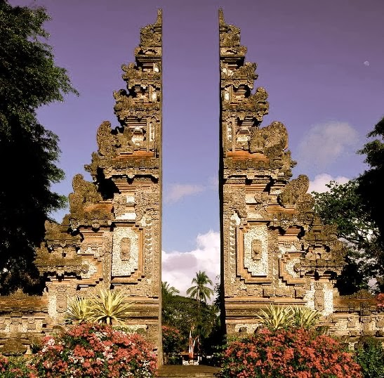 pura lempuyang door. beautiful bali indonesia _