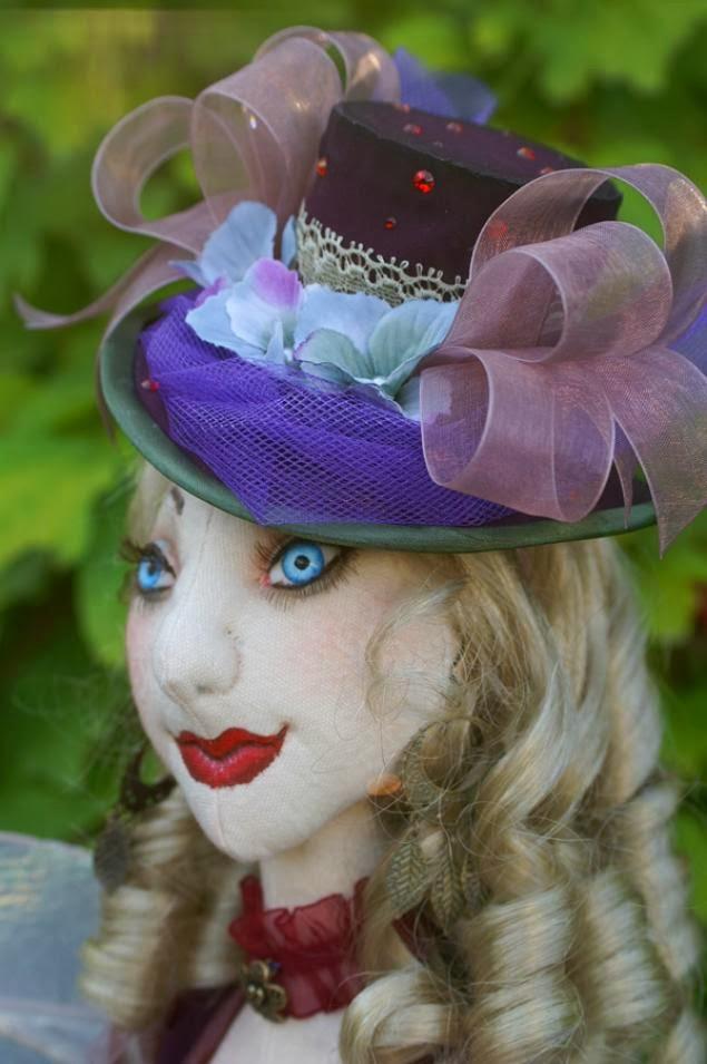 Прошивка лица текстильной куклы