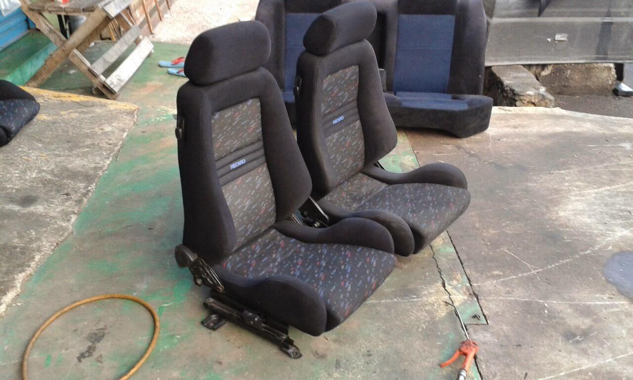 Dingz garage seat recaro njoy le mans putra for Garage seat le bouscat