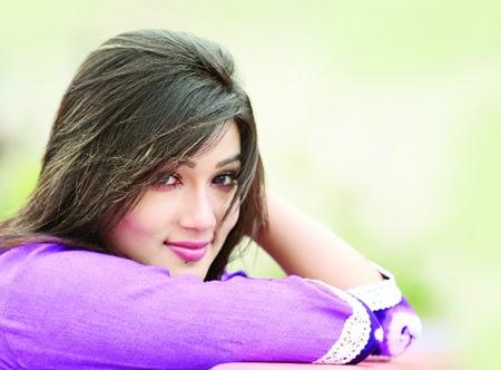 Actress Mahiya Mahi
