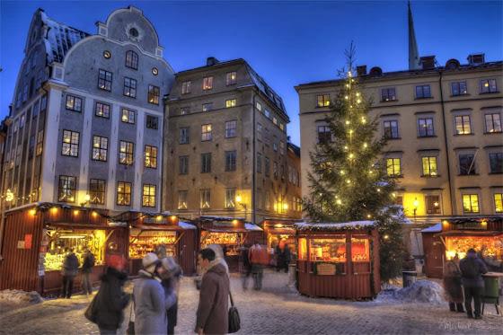 Weihnachtsmarkt in der Altstadt Stockholms Gamla Stan in Stortorget