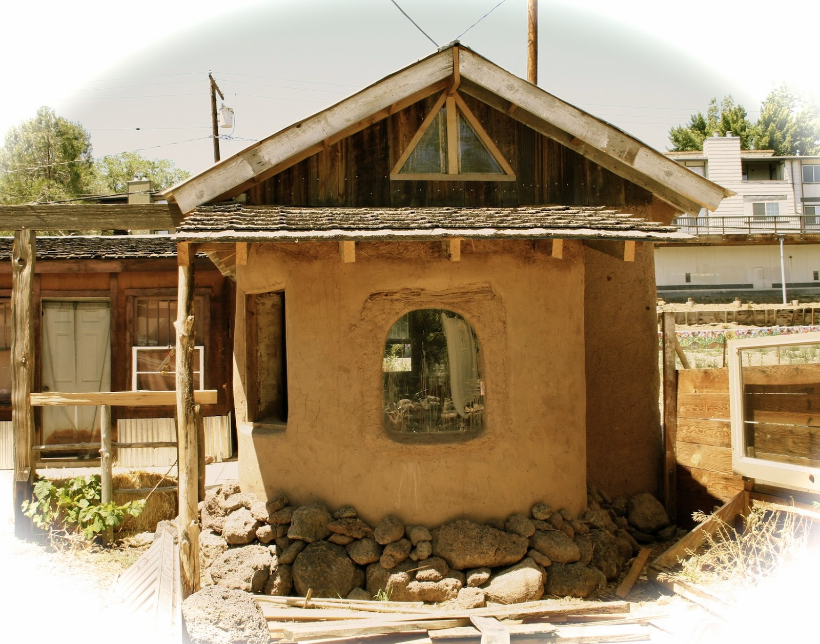lloyd u0027s blog 500 backyard cob cabin in reno nevada