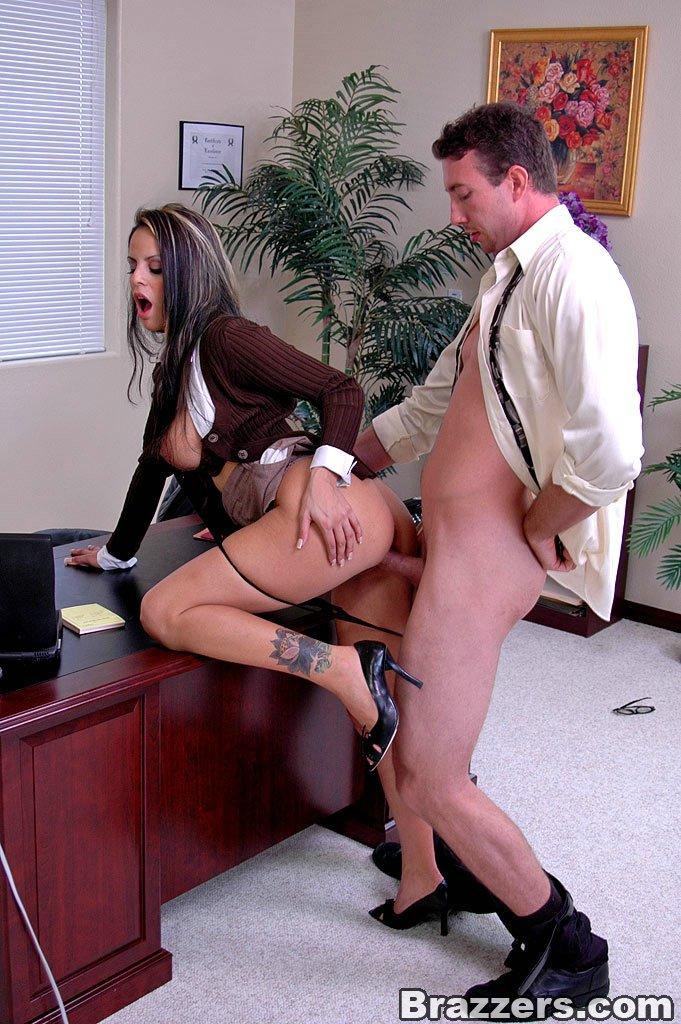 online-igri-seks-v-ofise