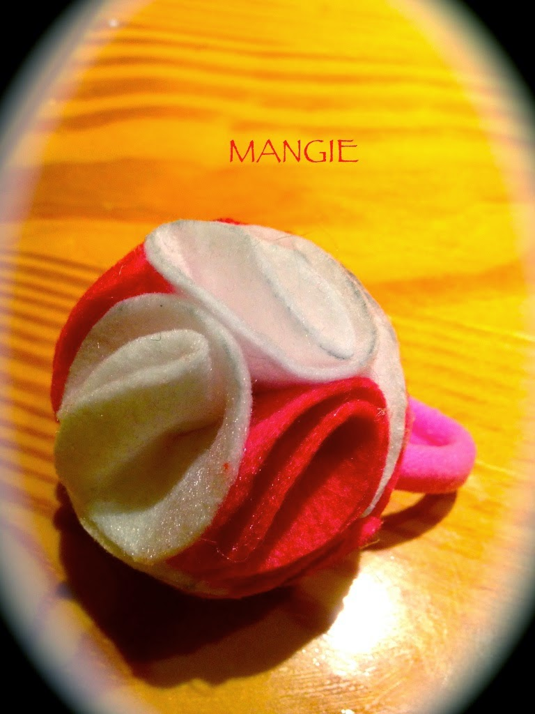 Coletero con forma de rosa