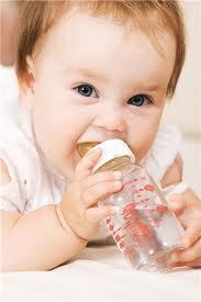 bayi, air masak, bahaya, nyawa, baby, comel, Bahaya air masak pada bayi bawah 6 bulan