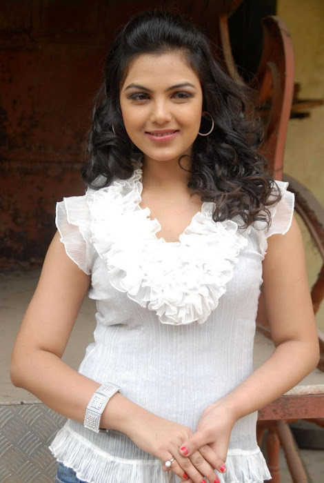priyanka tiwari new , actress pics