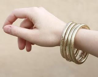 Pulseras o brazaletes con brillantina, muy faciles y a la moda