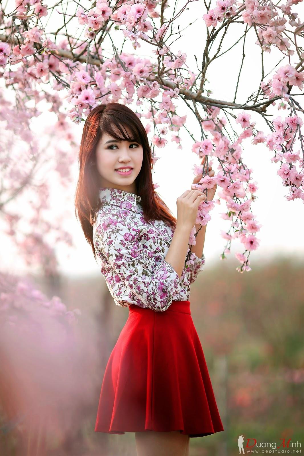 Sắc xuân bên đào tết 2014 những nụ hoa xuân, hinh anh gai dep