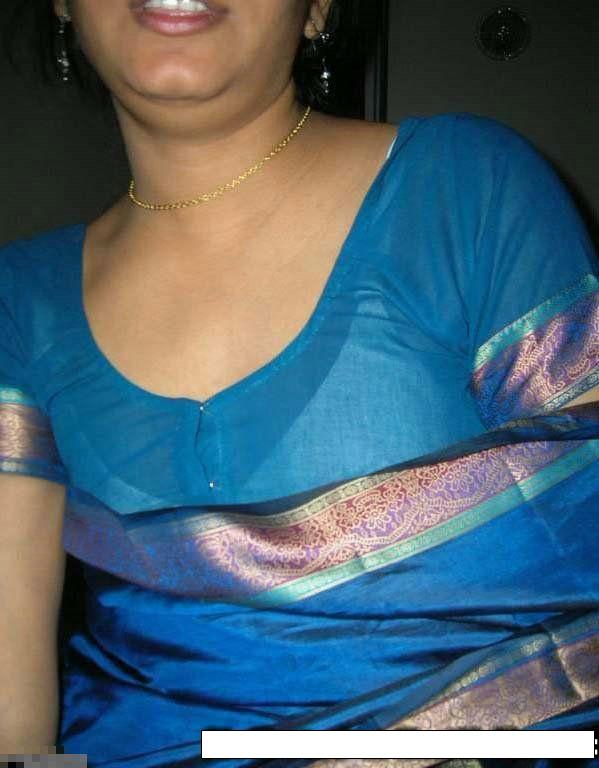 Tamil aunty Removing Saree photos, Tamil aunty Removing Saree stills