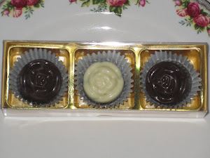 Door Gift-3 pcs chocs + cavity box