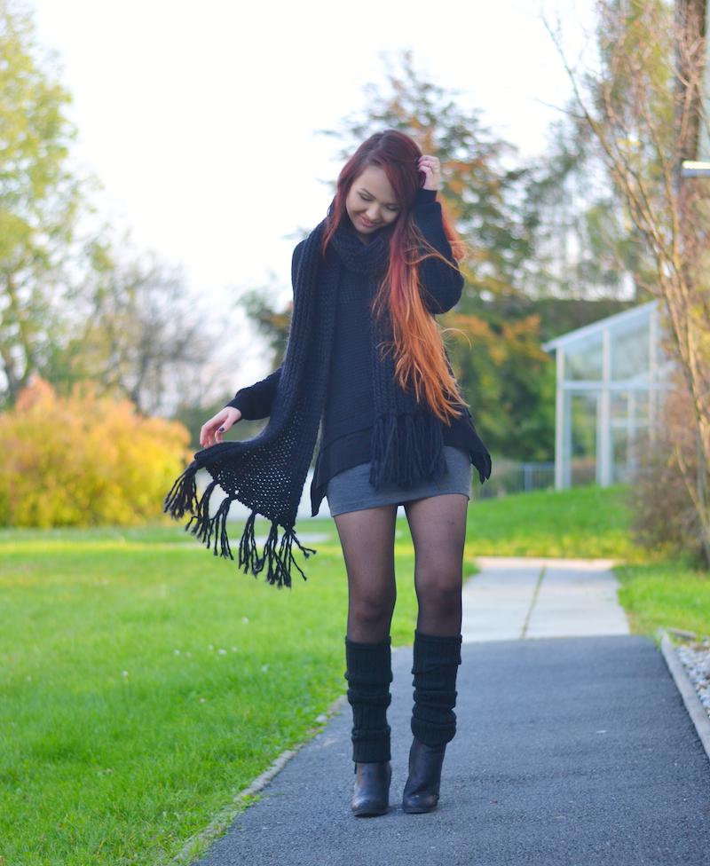 Herbst_Outfit_schwarz_grau_rock_schal_rote_Haare