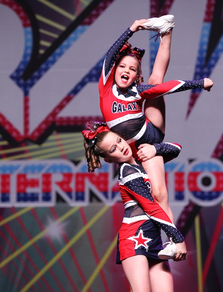 Cheerleading - Miss fab and her super-cute flyer
